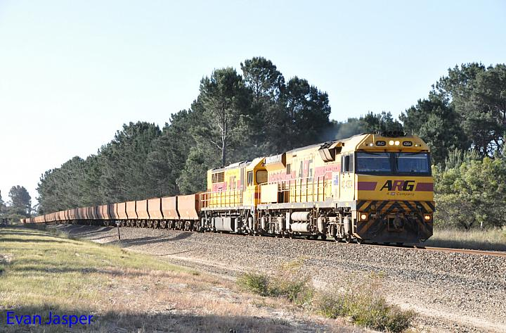 AC4304 and Q4016 on 7413 loaded iron ore train seen here heading though Gibson on the 12th November 2016
