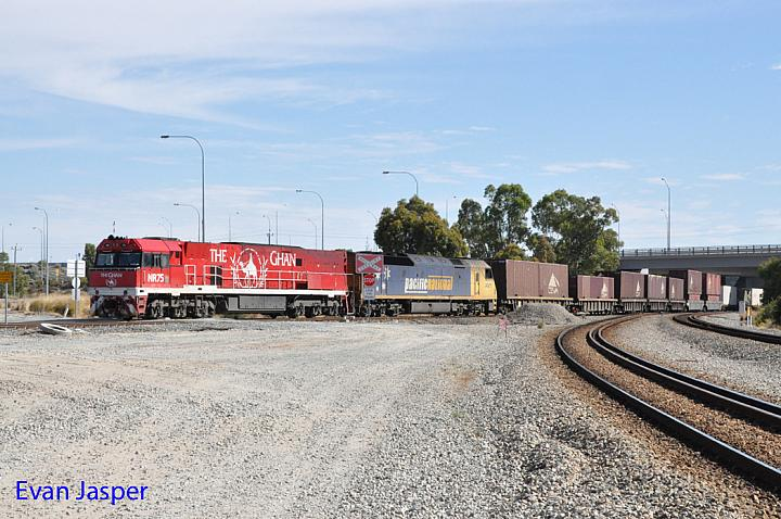 NR75 and AN11 on 6MP1 freighter seen here arriving into PFT Kewdale on the 23rd December 2018