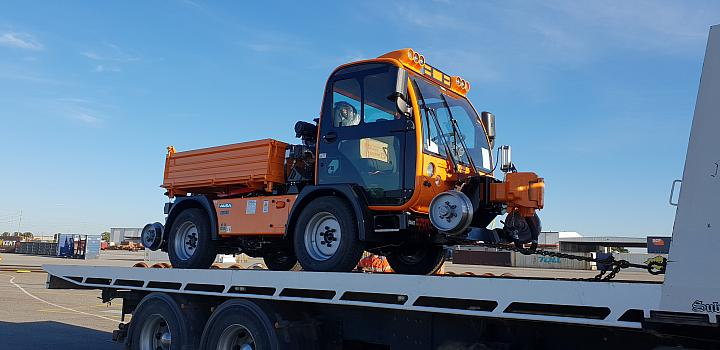 Pacific Nationals Maintainer new shunt tractor being delivered to PFT Kewdale on the 11th Janaury 2019
