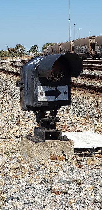 Ground Mounted Shunt Signal (2 aspect that shows 2 colours Red or Yellow) (Signal 164) This signal is control by Train control