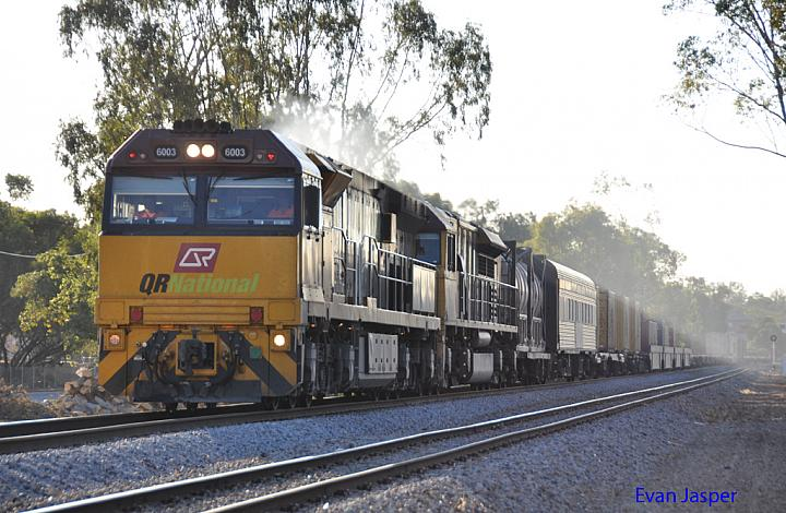 6003 and LDP005 on 2PM1 freighter at Northam on the 14th February 2011
