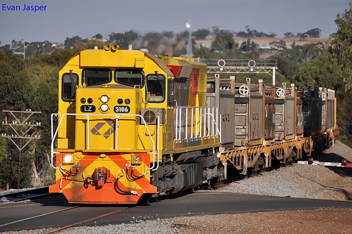 LZ3106 on 2474 loaded salt train at Northam on the 23rd April 2012