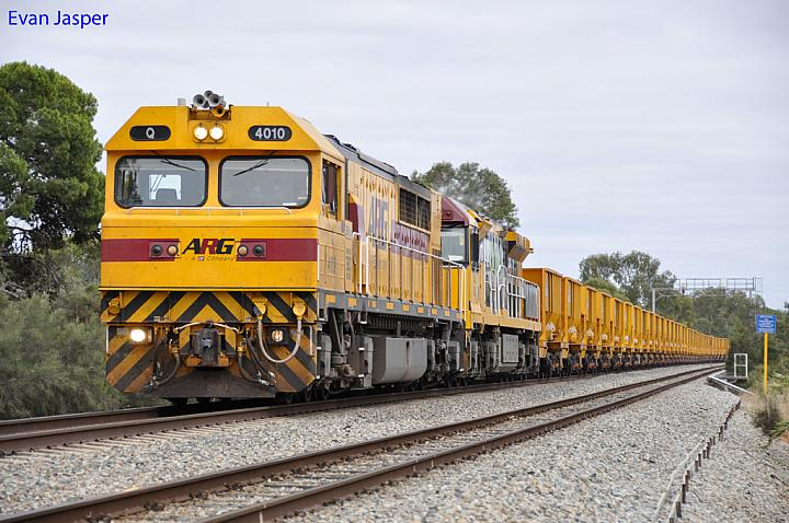 Q4010 and ACA6012 on 1035 empty iron ore train at Northam on the 27th November 2011