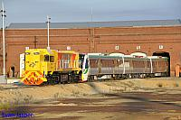 DAZ1901 on 6135 LE is seen here pulling B set 5102 out of the Midland workshops on the 17th October 2014
