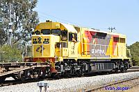 LZ3106 with a friendly crew shunt wagons at Forrestfield on the 21st October 2015