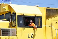 LZ3106 with a friendly crew (Garry) at Forrestfield on the 21st October 2015