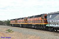 2212, 2207 and 2214 on 4176S loaded grain train see here powering though Long Plains (SA) on the 14th April 2015