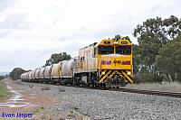 P2501 on 7271 loaded lime train seen here powering though North Pinjarra on the 30th August 2014