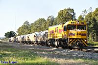P2501 on 7271 loaded lime train seen here powering though Mundijong on the 20th September 2014