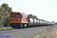 P2516 on 7871 Alumina train seen here heading though Wokalup on the 20th September 2014
