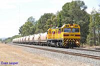 S3304 on 5271 loaded lime train seen here powering though Mundijong on the 18th February 2016